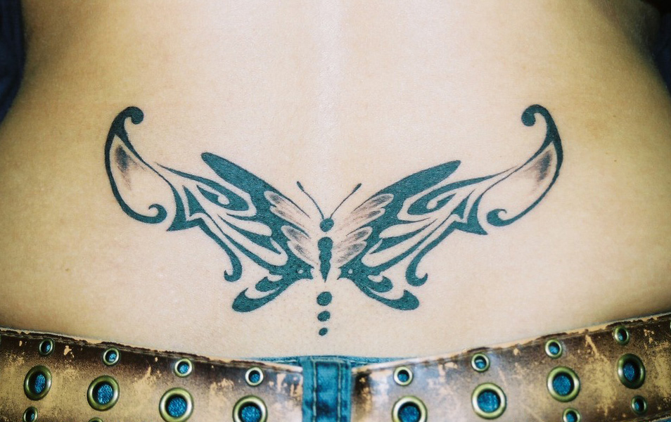 120 Best Lower Back Tattoos For Girls (30)